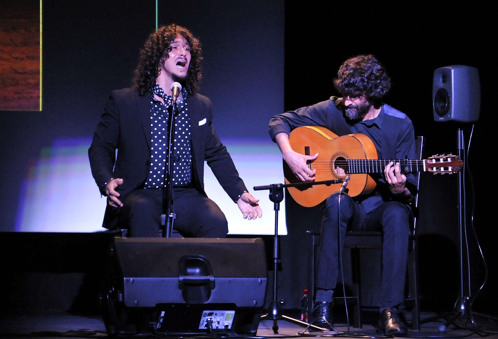'La Suite Jonda' y el cante de Jesús Corbacho abren el I Encuentro Flamenco y Literatura en el Teatro CajaSol