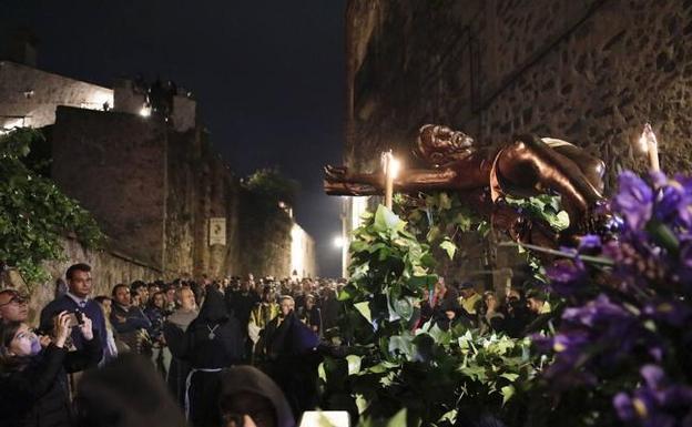 El Ayuntamiento de Cáceres enseñará a comportarse en Semana Santa