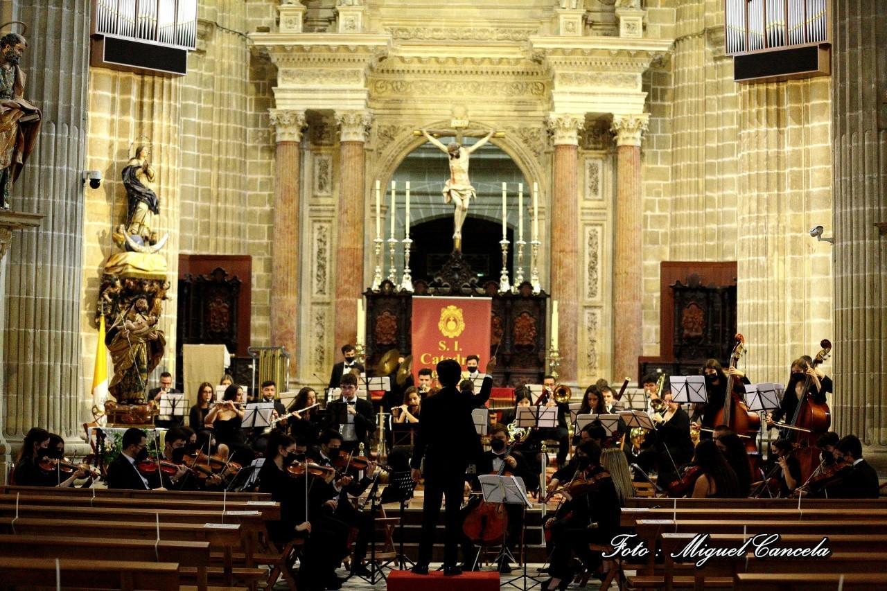 Nuevo concierto sinfónico en la Catedral, de la Orquesta 'Campos Andaluces'