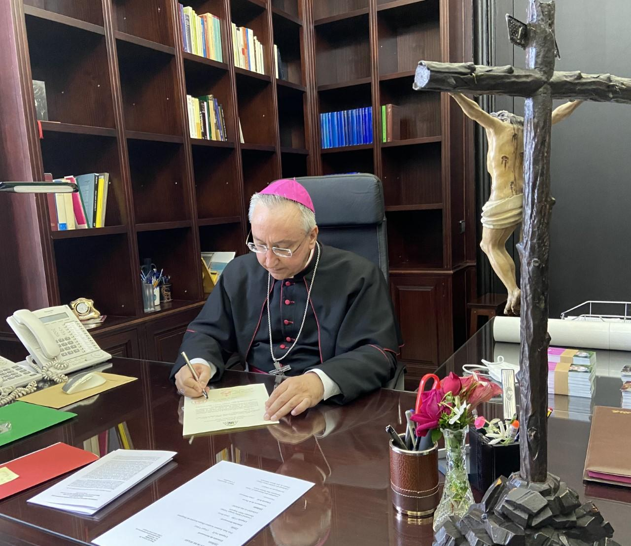 Primer decreto de Monseñor Rico Pavés