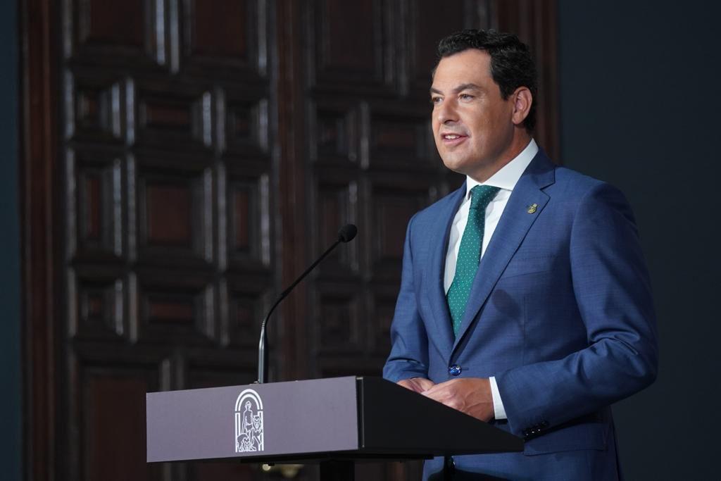 Juanma Moreno anuncia cambios en las restricciones de horarios y aforos por la pandemia en Andalucía