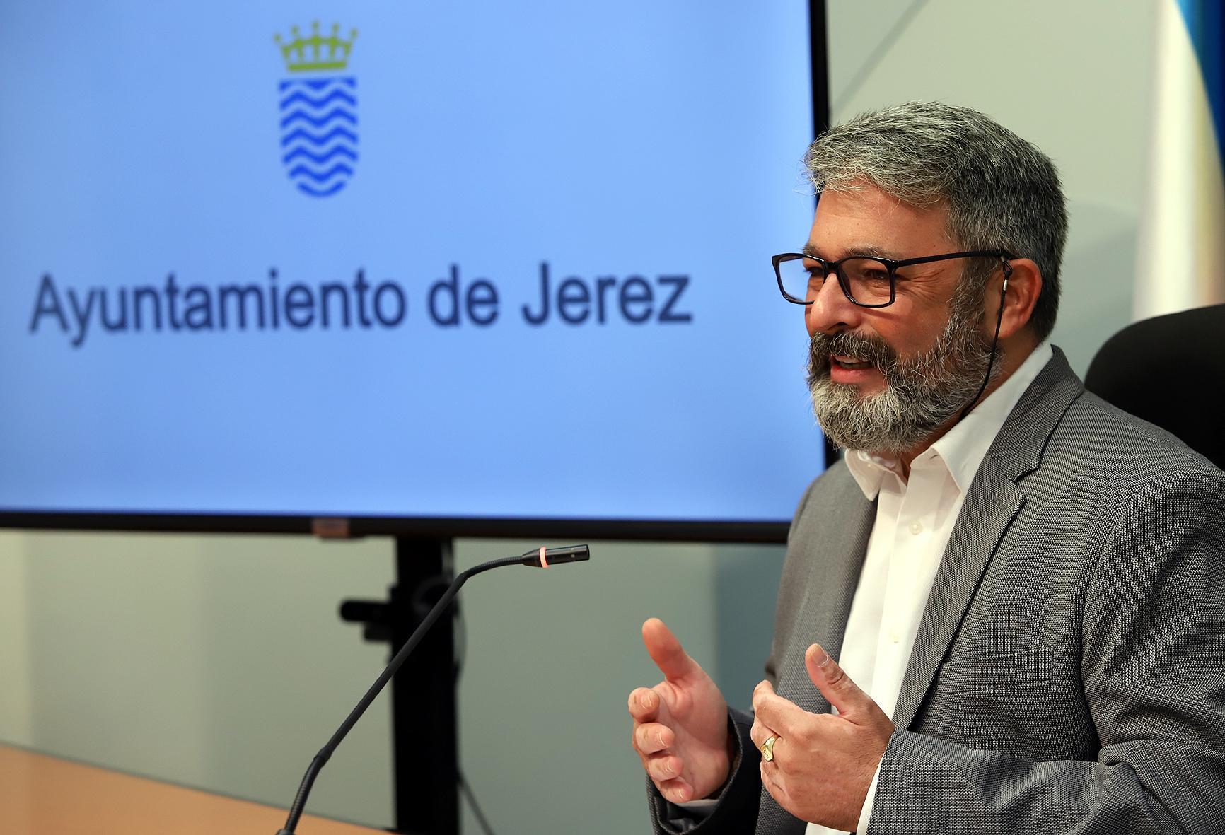 Vox reclama la dimisión del delegado de Fiestas del Ayuntamiento de Jerez, Rubén Pérez