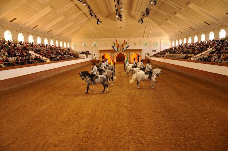 La Real Escuela ofrece la III edición de la Gala de los Reyes Magos