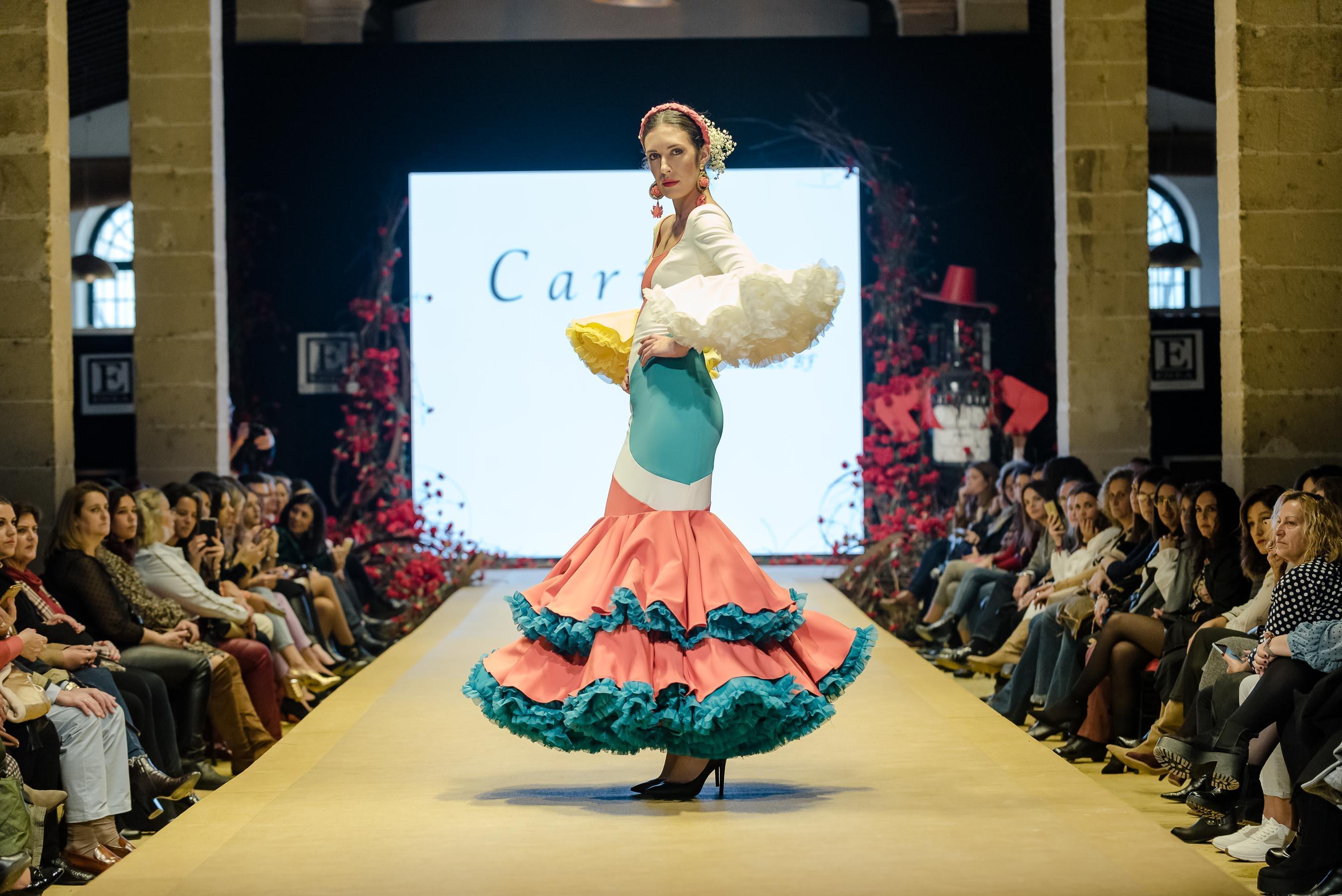 El sol entre las estrellas de Cariola by Bordado Flamenco