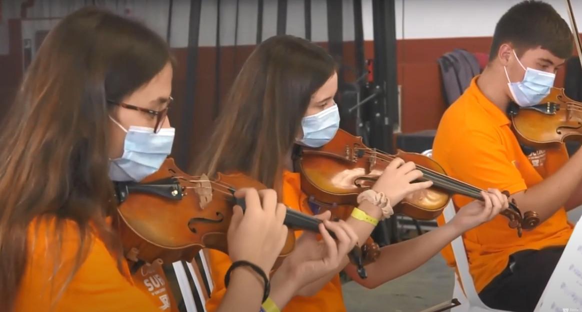 40 jóvenes músicos de la provincia enriquecen su formación gracias al encuentro orquestal 'Cádiz Suena' de Diputación