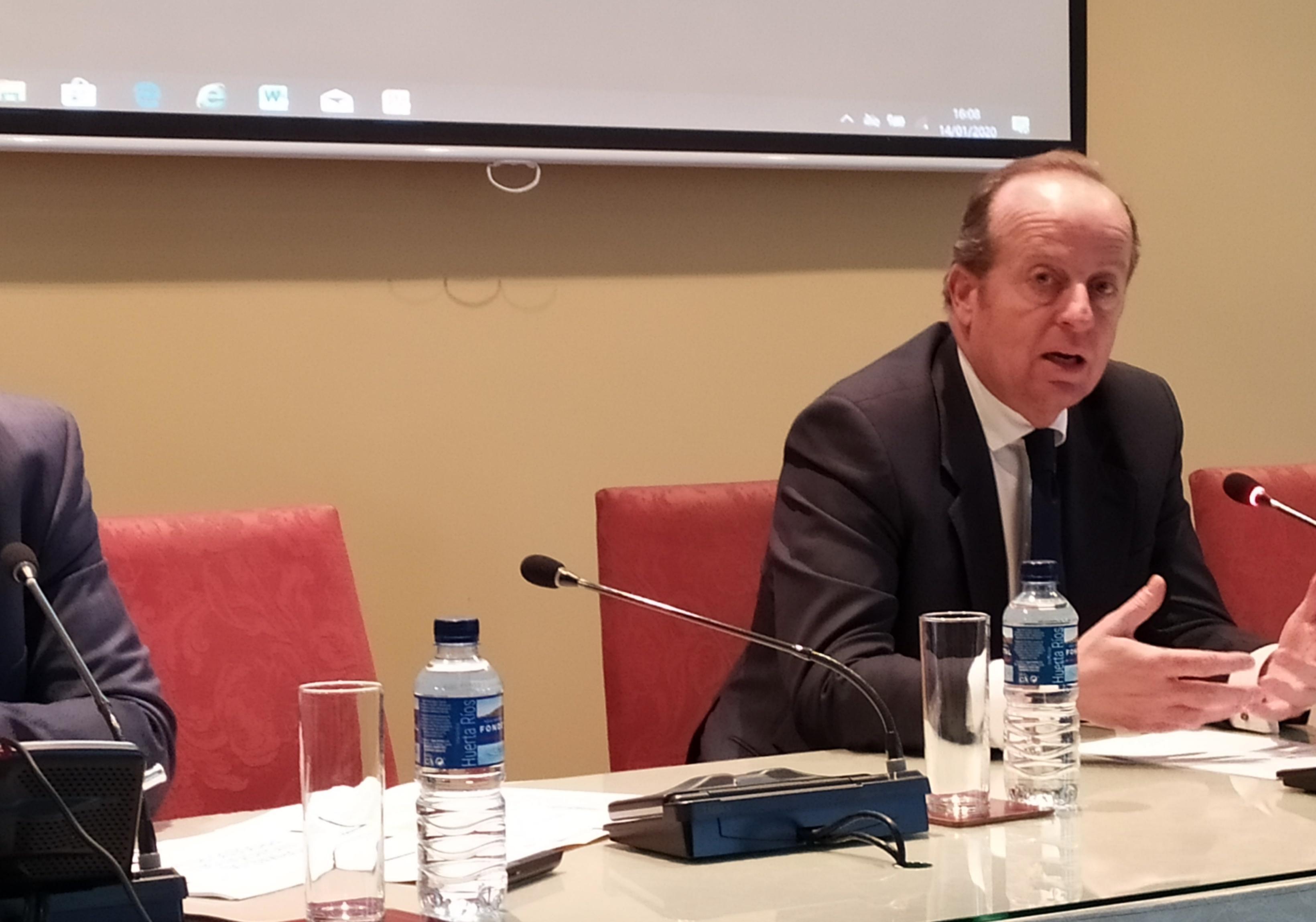 Marcos Camacho, decano emérito del Colegio de Abogados de Jerez, galardonado con la Cruz de San Raimundo