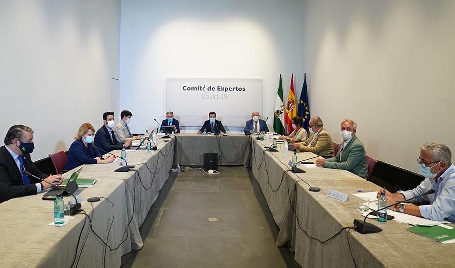 La Junta propone un toque de queda de 2:00 a 7:00 horas en municipios con tasa de COVID-19 superior a 1.000 casos