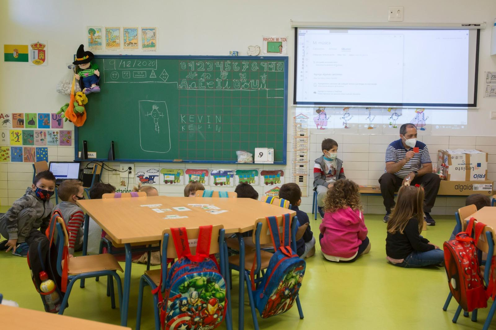 Andalucía aumentó su presupuesto en Educación un 10,2% para hacer frente al COVID-19
