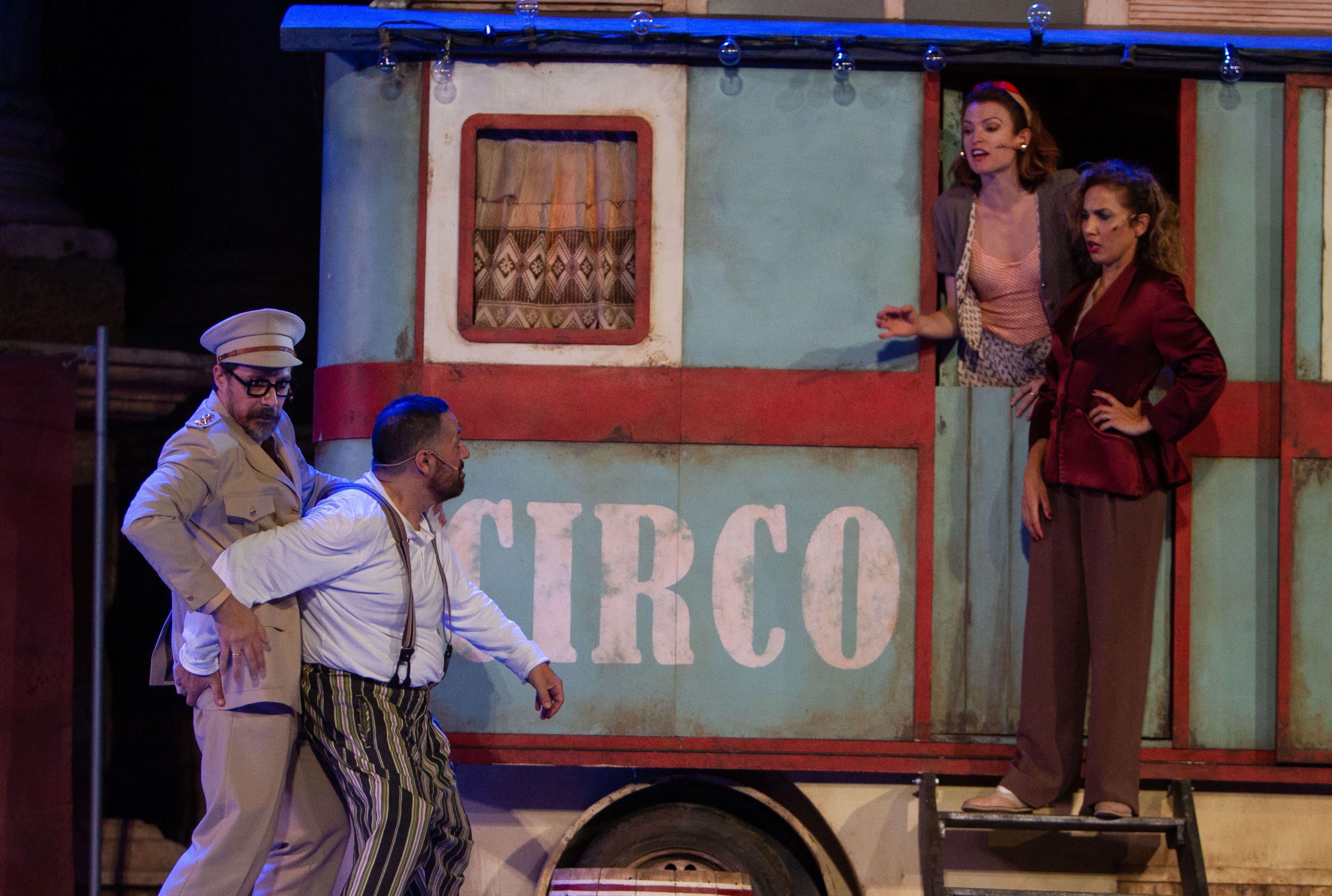 Pepón Nieto y Toni Acosta protagonizan la comedia 'Anfitrión' en el Teatro Villamarta