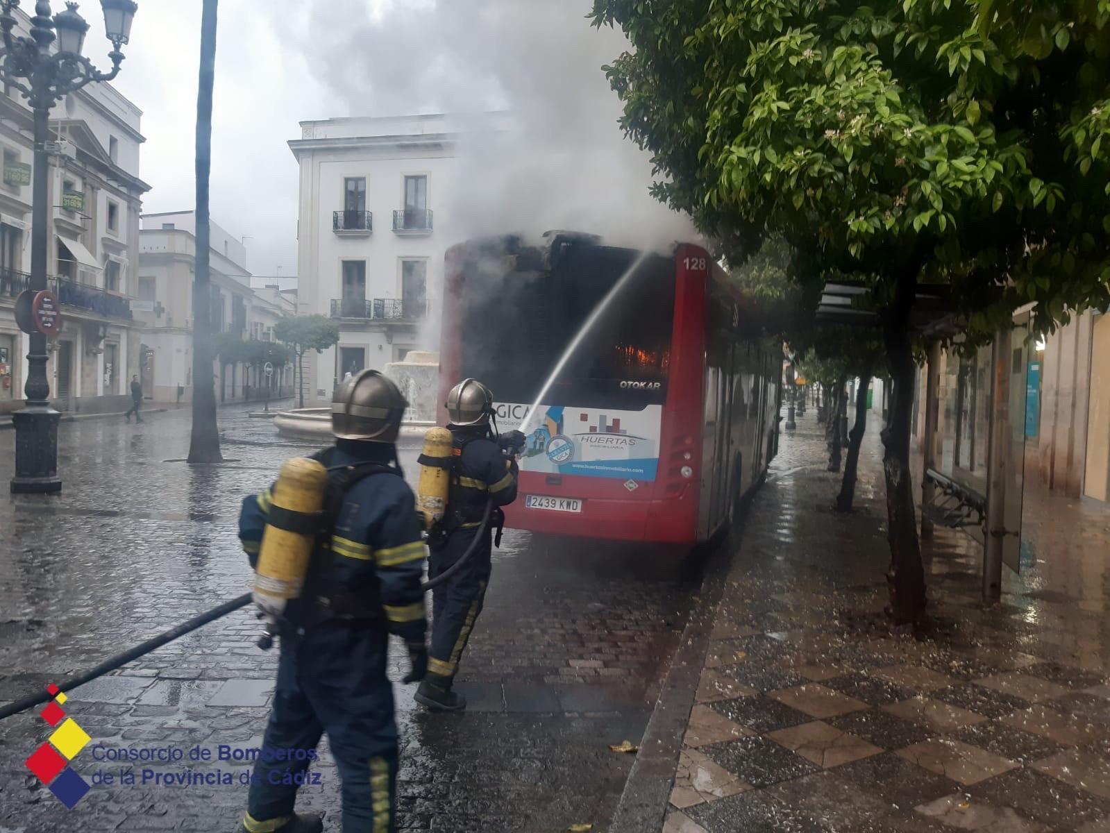 El Ayuntamiento reclama 420.000 euros al proveedor de los autobuses urbanos turcos por venir defectuosos