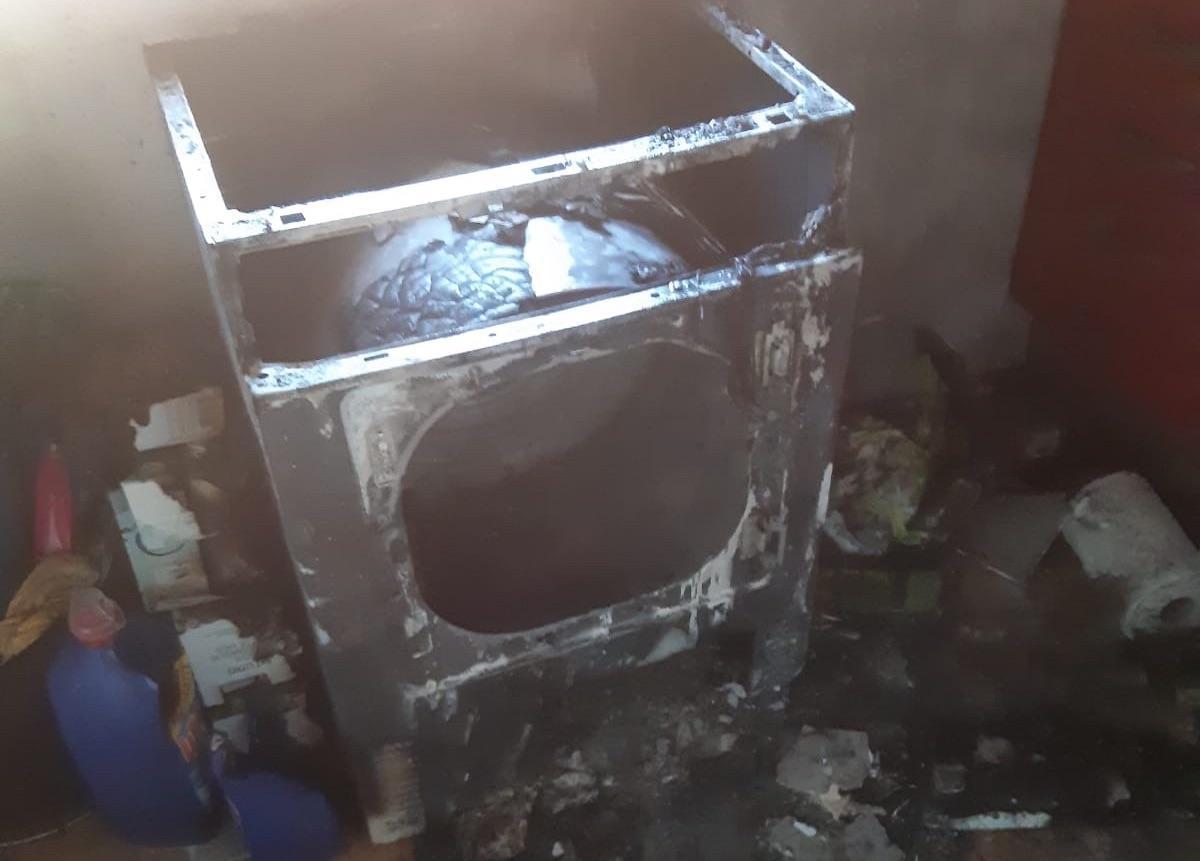 Una secadora provoca un incendio en una vivienda de la calle San Isidro en Jerez