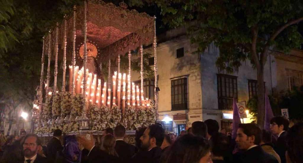 TV: La Soledad en Porvera; suena 'El Cristo de La Lanzada'