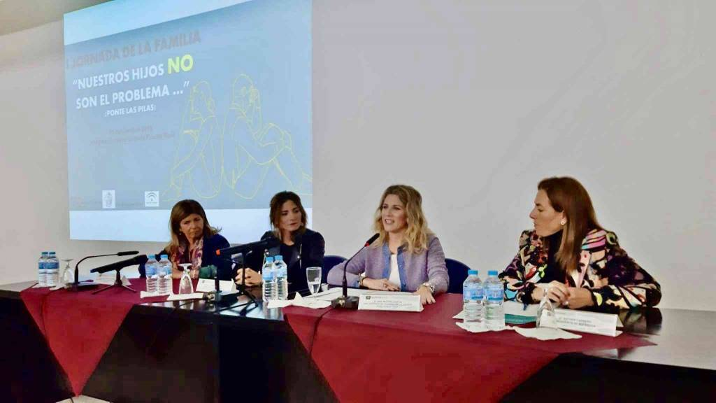 Ana Mestre reitera la apuesta de la Junta por las familias en la jornada organizada por ASFANUCA