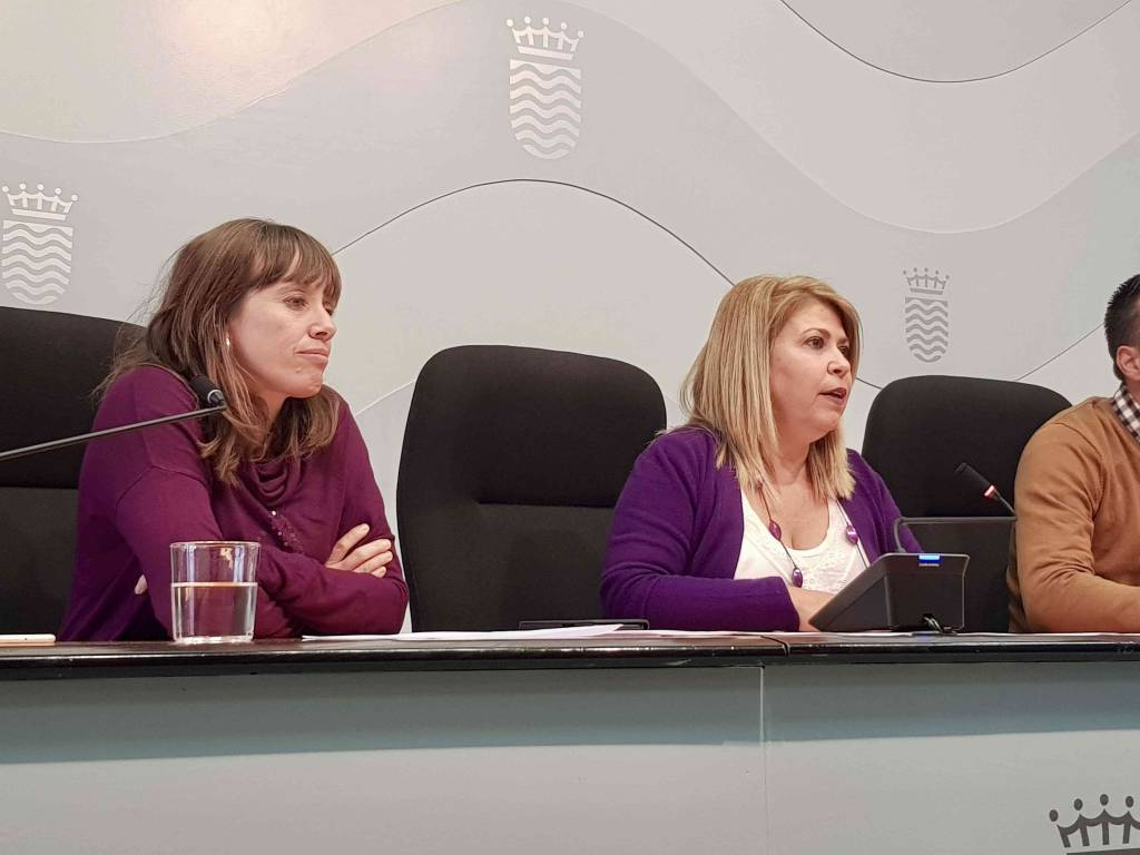 Mamen Sánchez pasa la pelota a los técnicos tras el ''chivatazo'' del examen de Policía Local