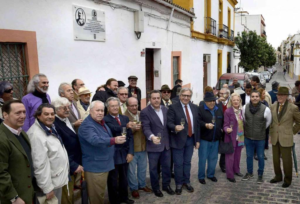 Descubierta una placa conmemorativa del nacimiento de Don Antonio Chacón en Jerez