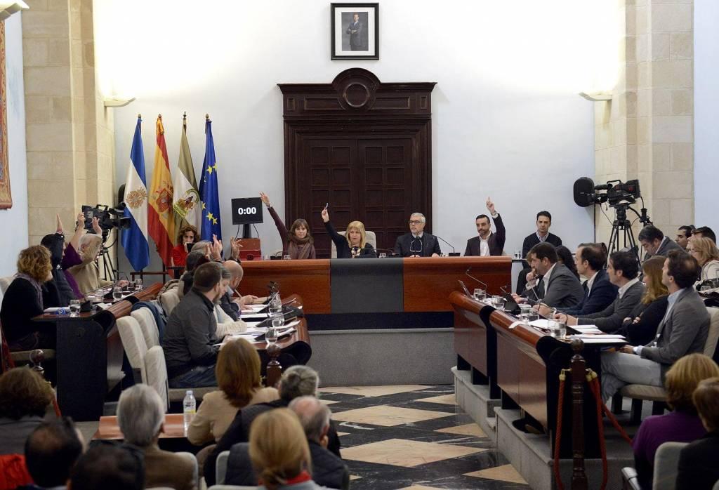 El Pleno desvela que Mamen Sánchez mintió con las cuentas de Ajemsa