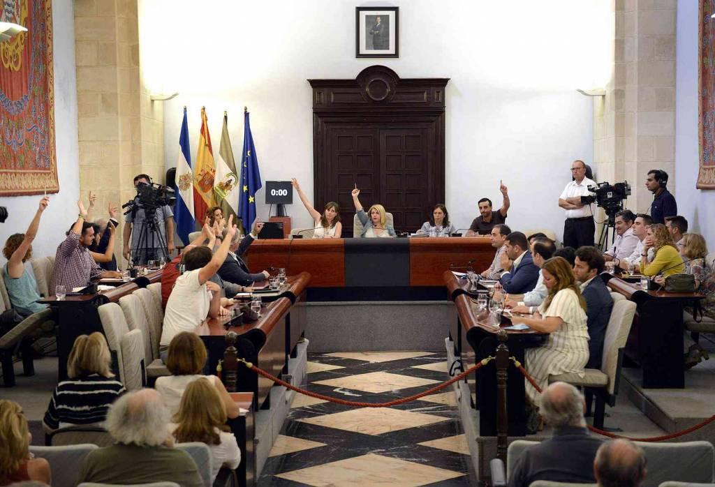 El PSOE de Mamen Sánchez, contra el Plan Antiokupación propuesto por el PP