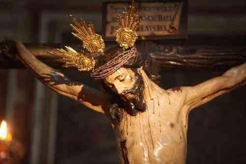 Comienza el ciclo de conferencias del Santo Crucifijo