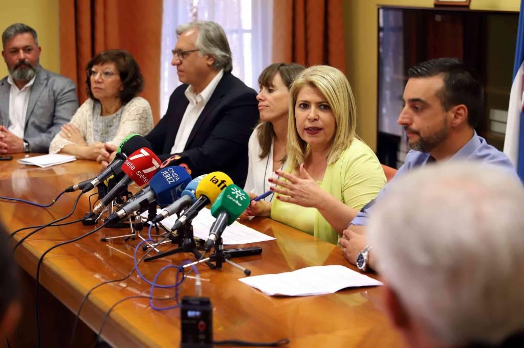 La oposición estalla contra las artimañas de Mamen Sánchez en la gestión del Circuito de Jerez