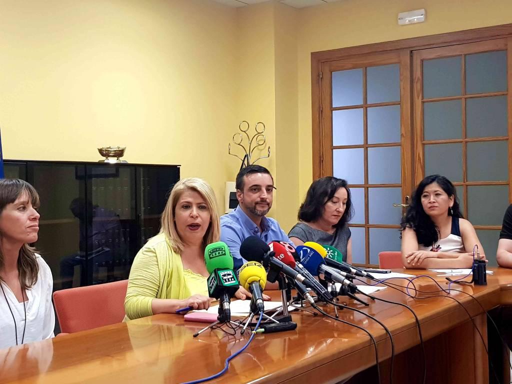 El Ayuntamiento de Mamen Sánchez, José Antonio Díaz y responsables de Comujesa, demandados por fulminar a una chófer de autobús