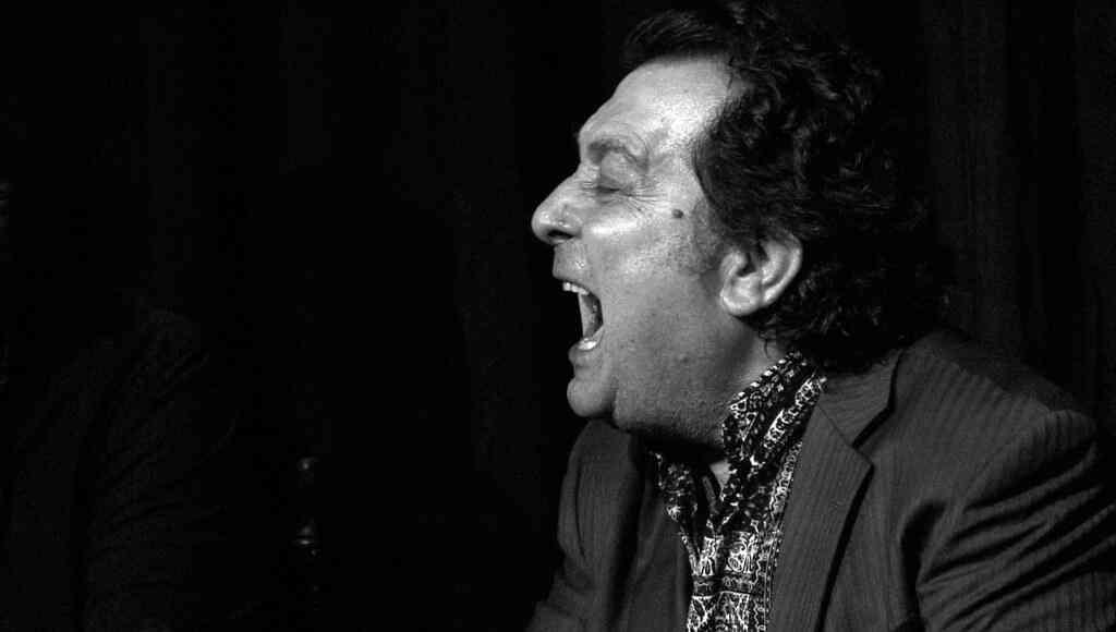 Juan Villar celebra 50 años de trayectoria artística en el Gran Teatro Falla