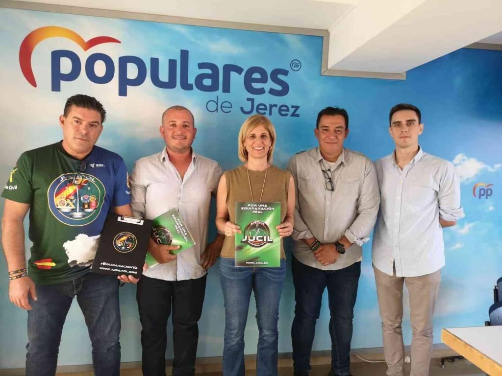 García-Pelayo reafirma la apuesta del PP por la equiparación salarial de los policías