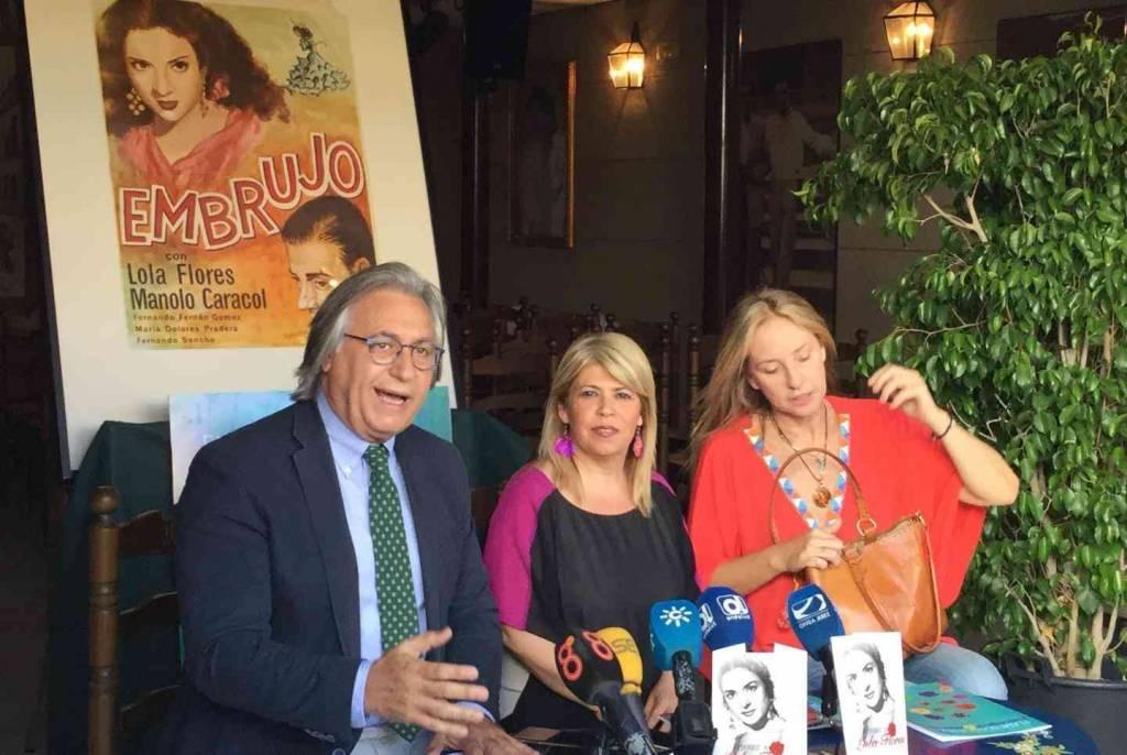 Mamen Sánchez se empeña en poner el museo a Lola Flores en la Nave del Aceite, sede de la Peña La Buena Gente