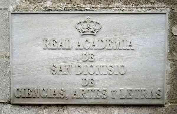 La Academia San Dionisio inicia nuevo curso presentando un libro de su historia