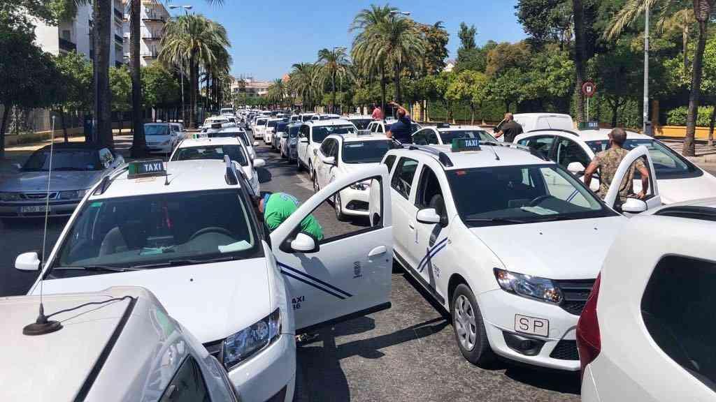 Adelante Jerez quiere proteger al sector del taxi frente a los VTC
