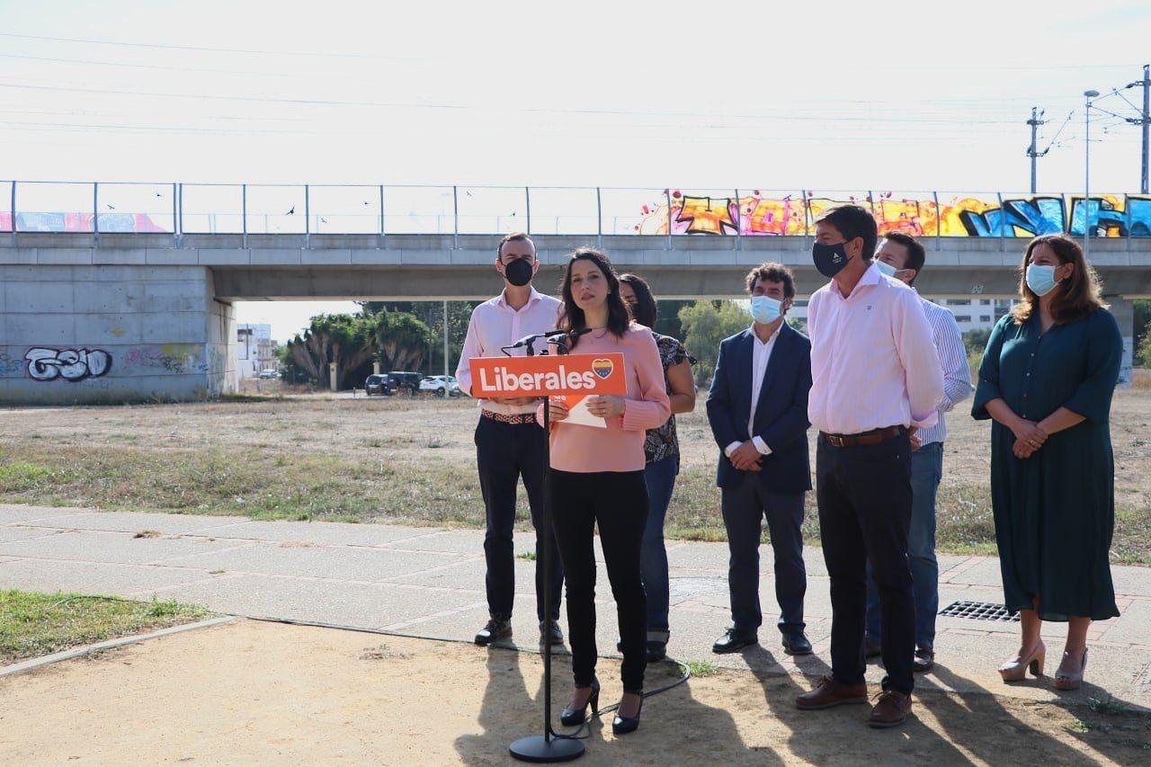 """Arrimadas, en Jerez: """"Cs presentará enmienda a la totalidad a los PGE porque son un sablazo a impuestos y un ataque a la igualdad"""""""