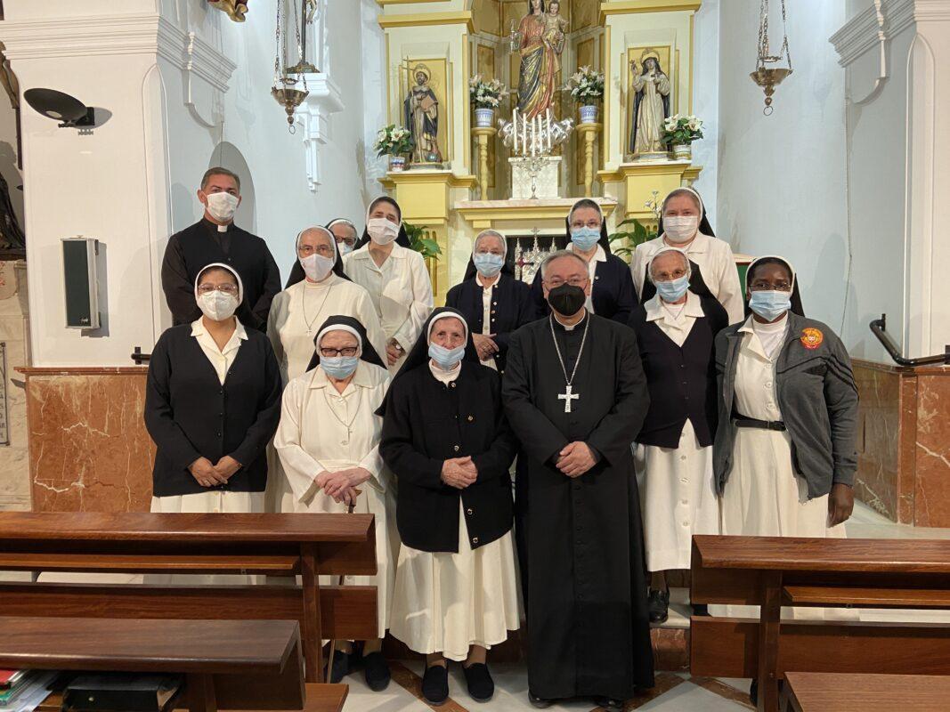 El obispo celebró misa en el Beaterio