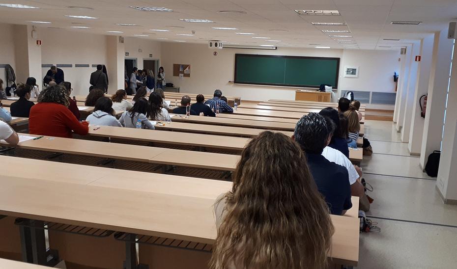 Imbroda anuncia oposiciones en 2022 con más de 4.000 plazas para Primaria y conservatorios en Andalucía