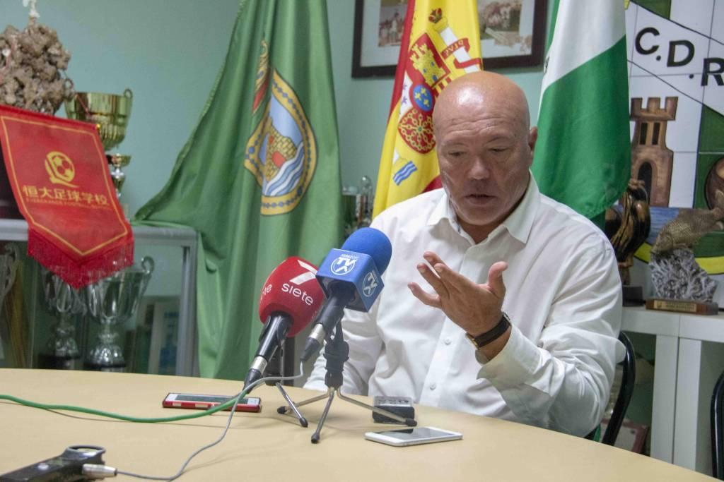 """García Tébar: """"El que se ponga esta camiseta tiene que tener un mínimo de dignidad y de orgullo''"""
