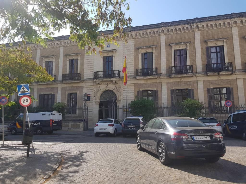 A prisión dos ladrones que entraron con fuerza en domicilios de Jerez