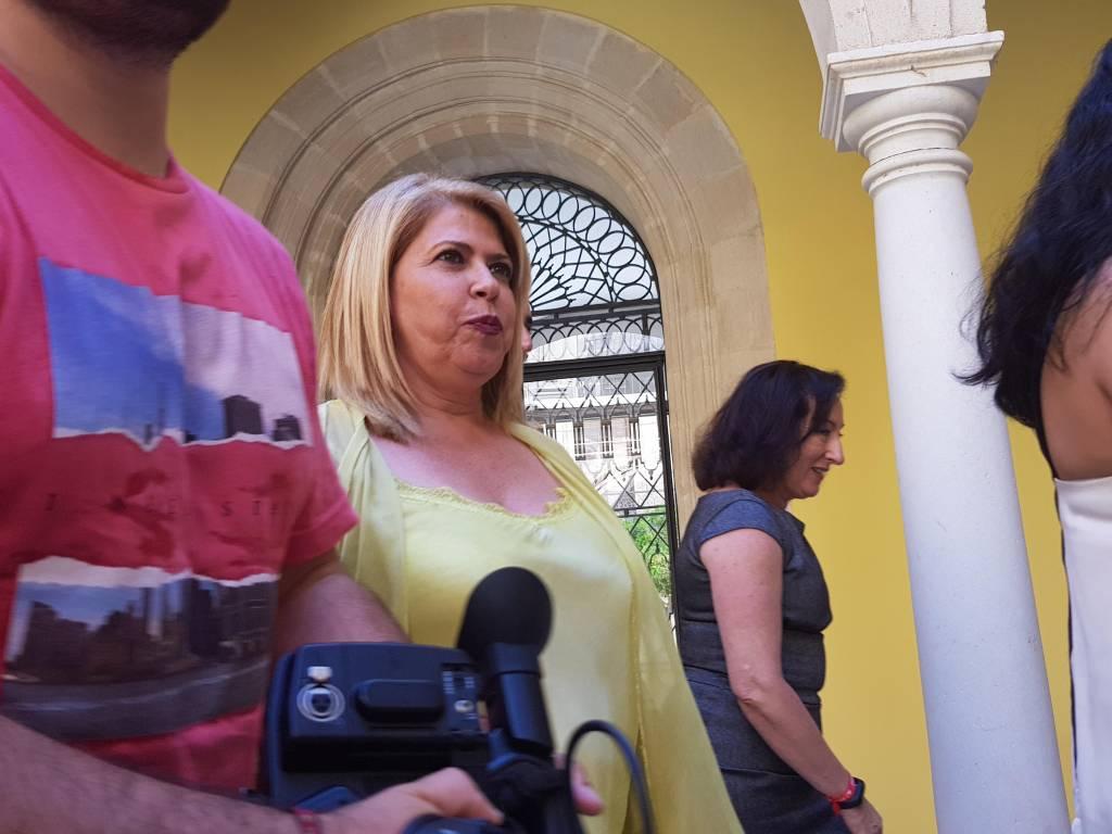 Saldaña ve una ''falta de respeto'' que Mamen Sánchez coloque como asesores a su prima y colegas del partido