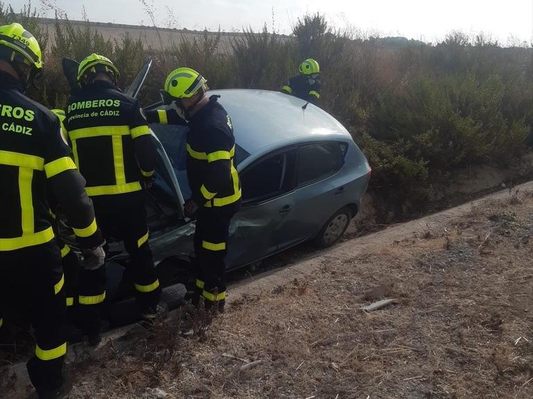 Trasladada al hospital una conductora tras un accidente en la A-2003 en Jerez