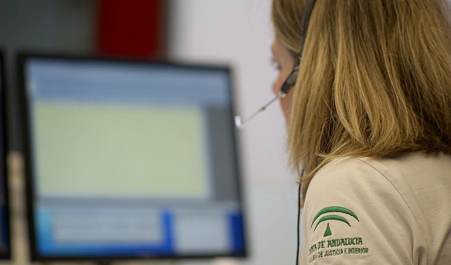 La Junta de Andalucía crea el teléfono 012 para unificar 20 líneas de atención al ciudadano