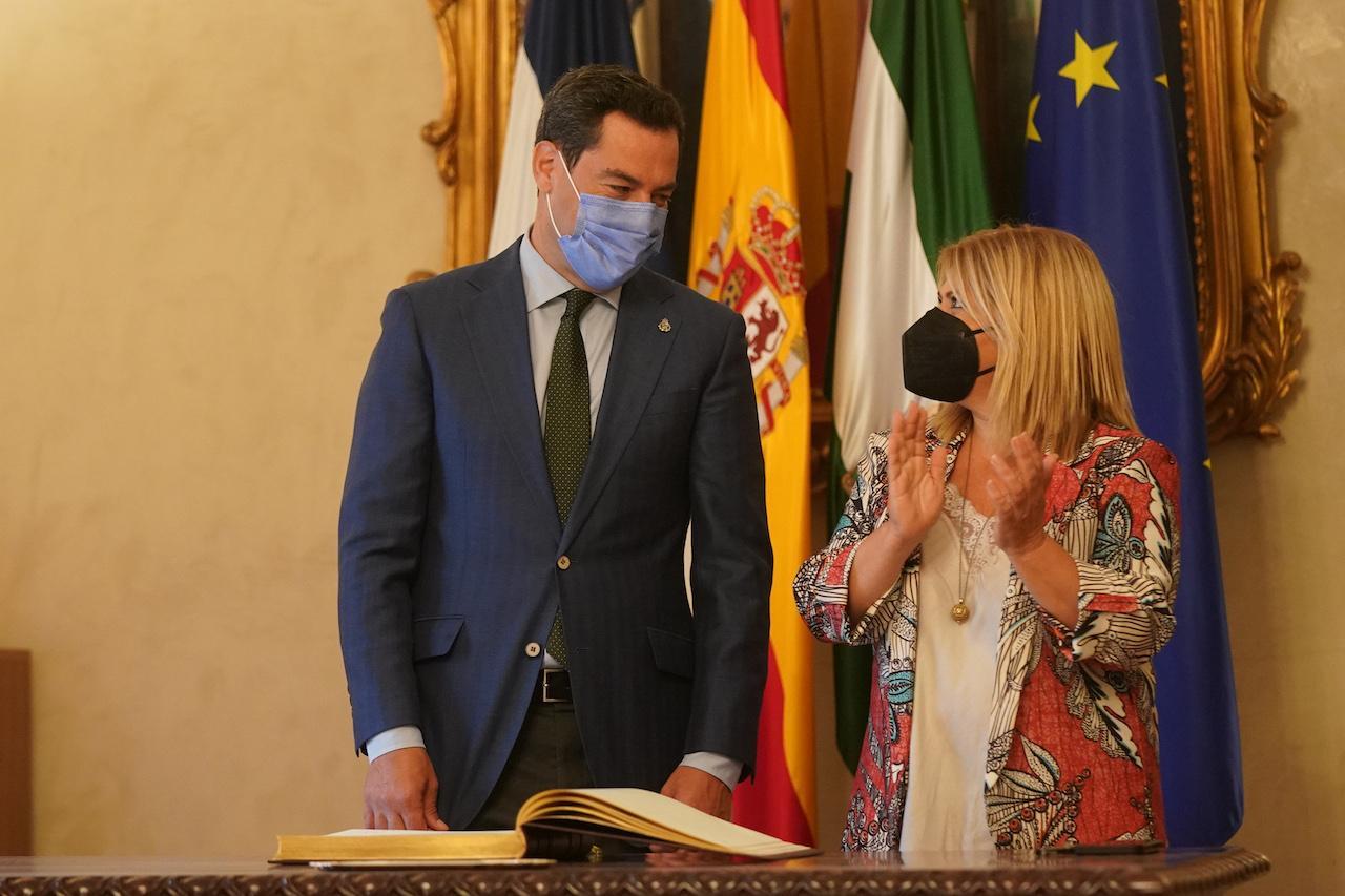 Juanma Moreno destaca la cooperación con el Ayuntamiento de Jerez y valora las inversiones de la Junta en la ciudad