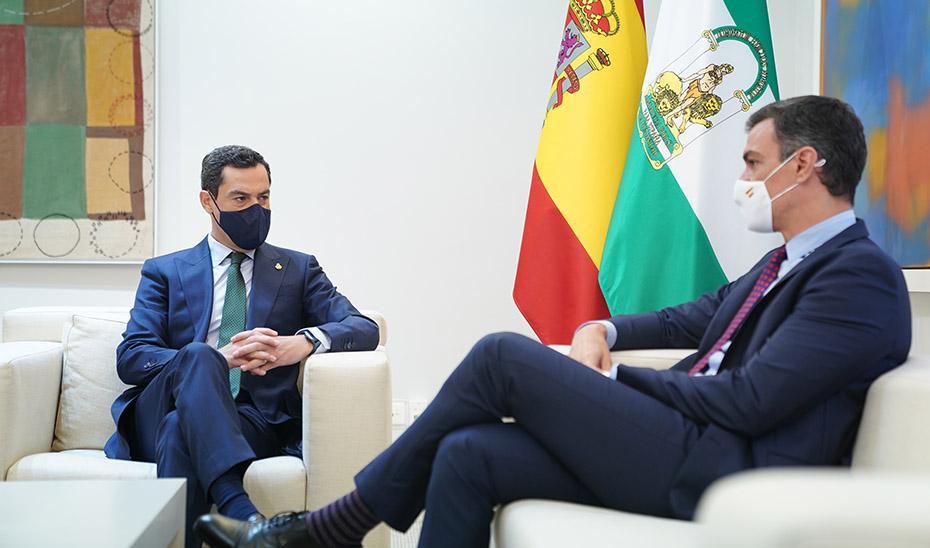 Juanma Moreno solicita por carta a Pedro Sánchez la constitución de una Comisión Bilateral de diálogo con Andalucía