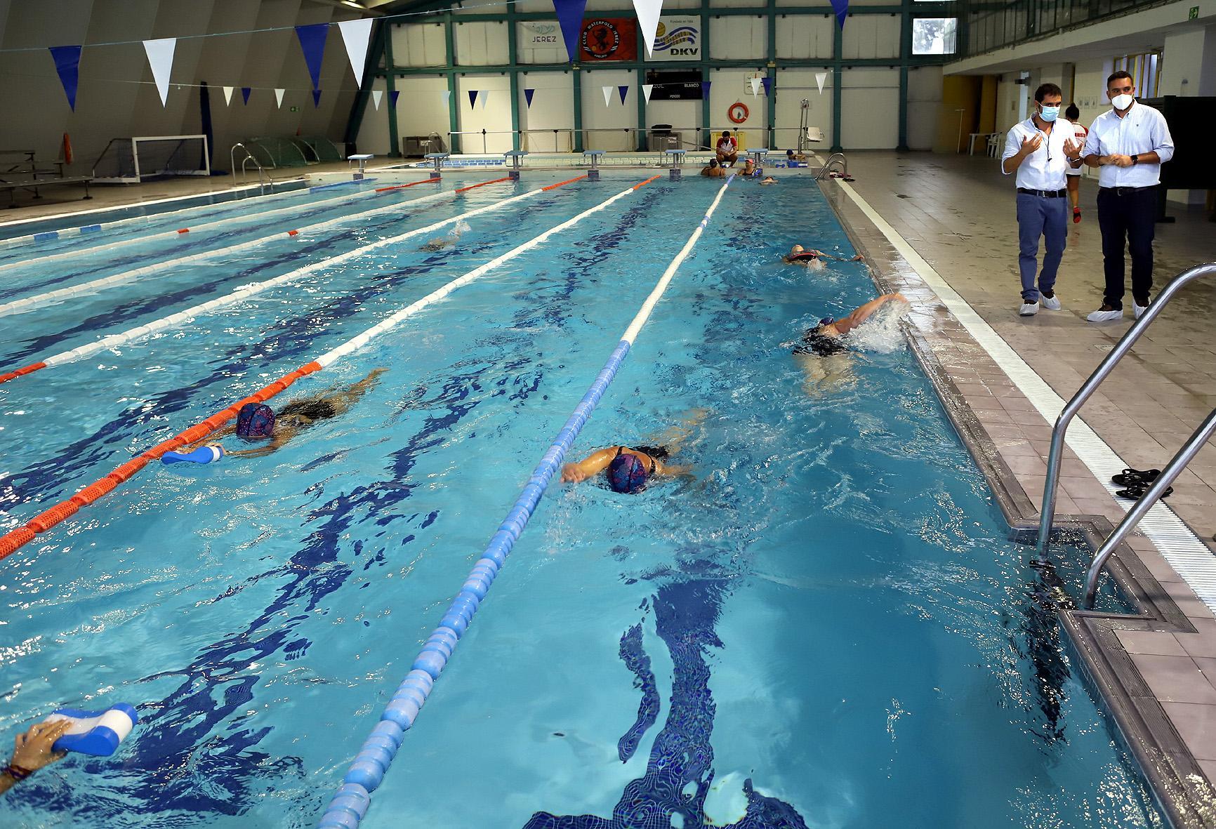 Ofertadas 307 plazas para cursos de natación y 618 para natación libre en la Piscina Cubierta José Laguillo